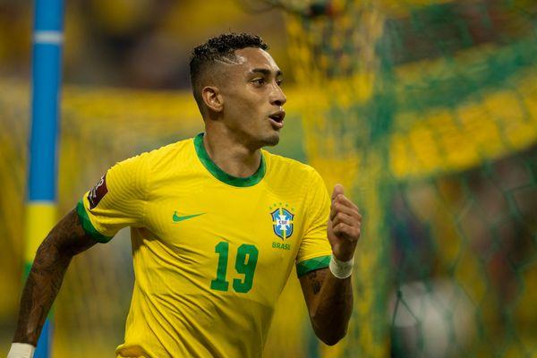 raphinha-marcou-dois-gols-na-vitoria-do-brasil-e-mostra-que-veio-para-ficar-na-selecao-623722-article